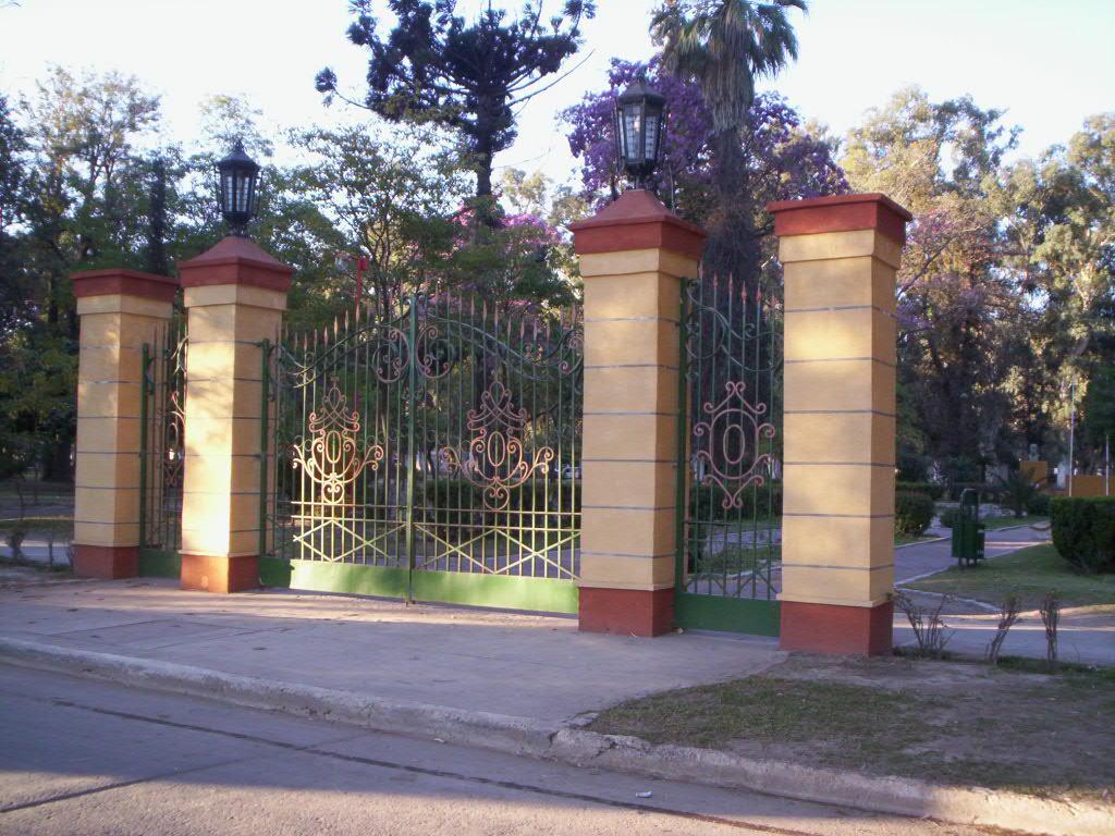 entrada al parque aguirre